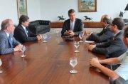Governador Beto Richa recebe delegação portuguesa