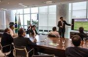 Presidente da Sanepar participa de reunião sobre projeto de Gestão de Resíduosos Sólidos