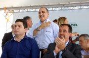 Ministro das Cidades, Governador do Paraná e Presidente da Sanepar entregam loteamento em Cascavel