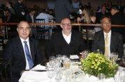 Mounir Chaowiche, presidente da Sanepar, Sérgio Bahuls, gerente geral Nordeste e Pepe Richa, secretário de infraestrutura